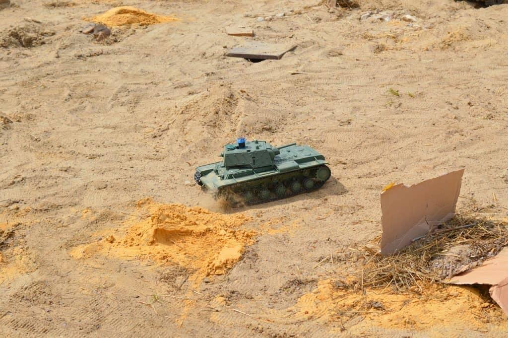 rc tank that shoots